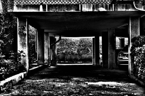 חניה שחור לבן