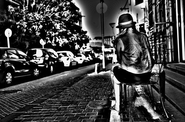 רחוב שחור לבן